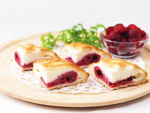 ラズベリーとフレッシュチーズのデニッシュ